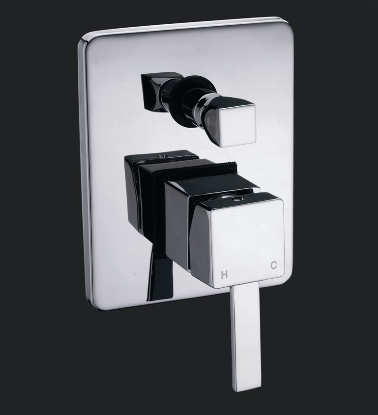 Dolce Square Bath/Shower Mixer With Diverter Chrome Finish
