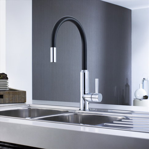 Vixen Retractable Sink Mixer Black
